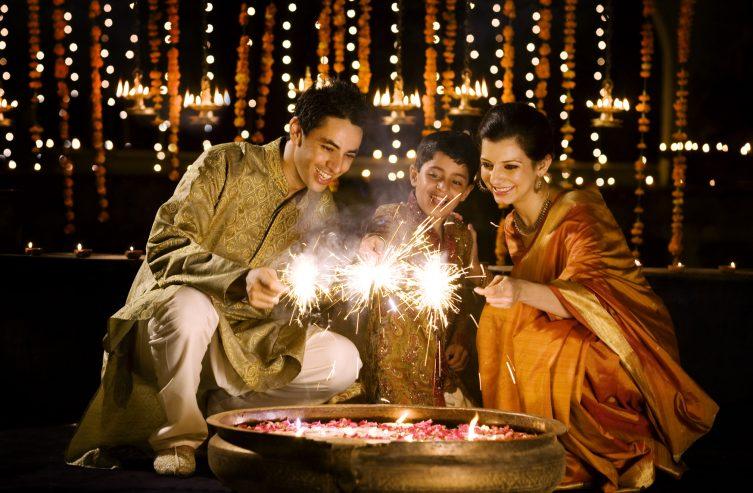 India Celebrates Its Festival Of Lights | Youngzine Society/Arts