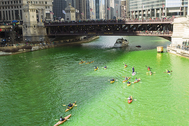 Chicago River turns green